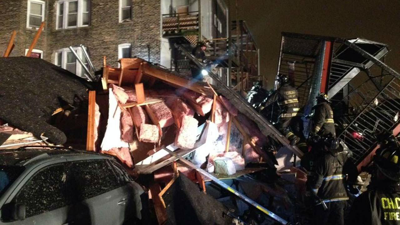 Apartment building collapses in Washington Park