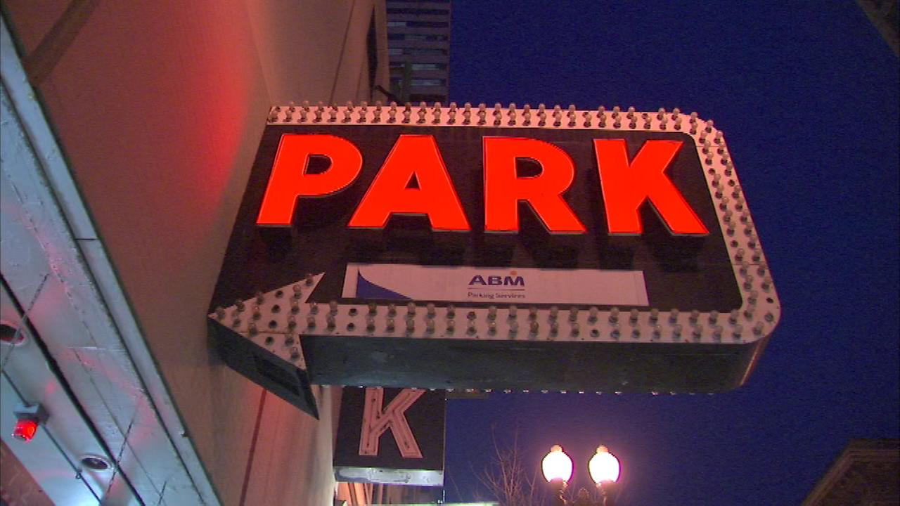 parking anywhere book find best town in garage garages p spot chicago grab and northmichiganave the parkwhiz