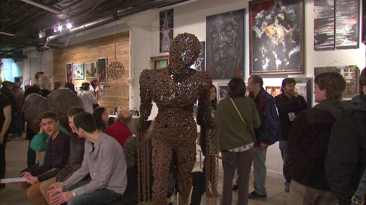 Dozens of artists help to kick off a holiday fundraiser Saturday night on Chicagos Near North Side.