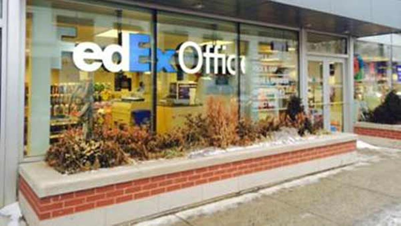 North Side FedEx store robbed at gunpoint, police say