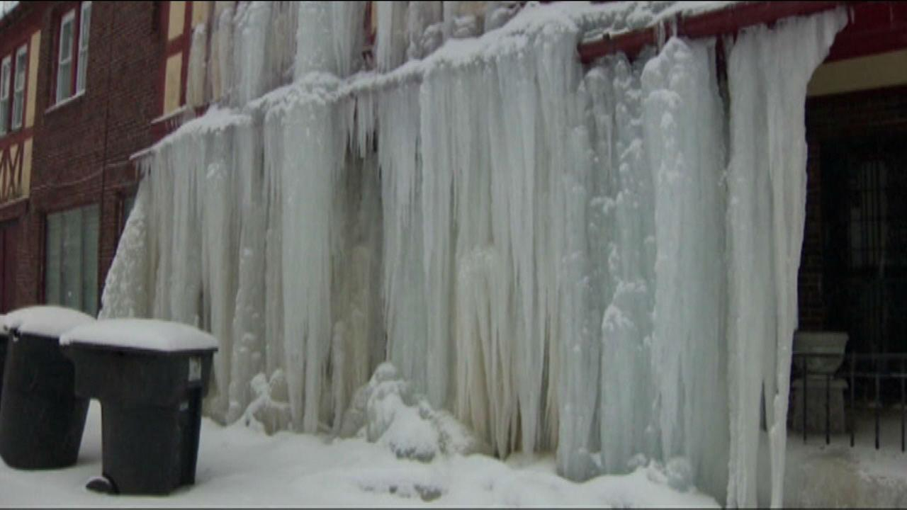 Burst pipe turns Detroit home into ice castle