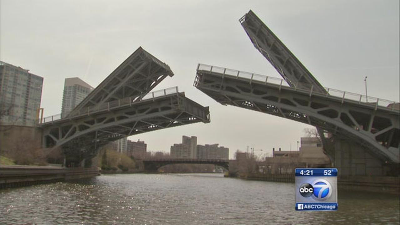 Chicago bridges lift as sailboats begin journey to harbors