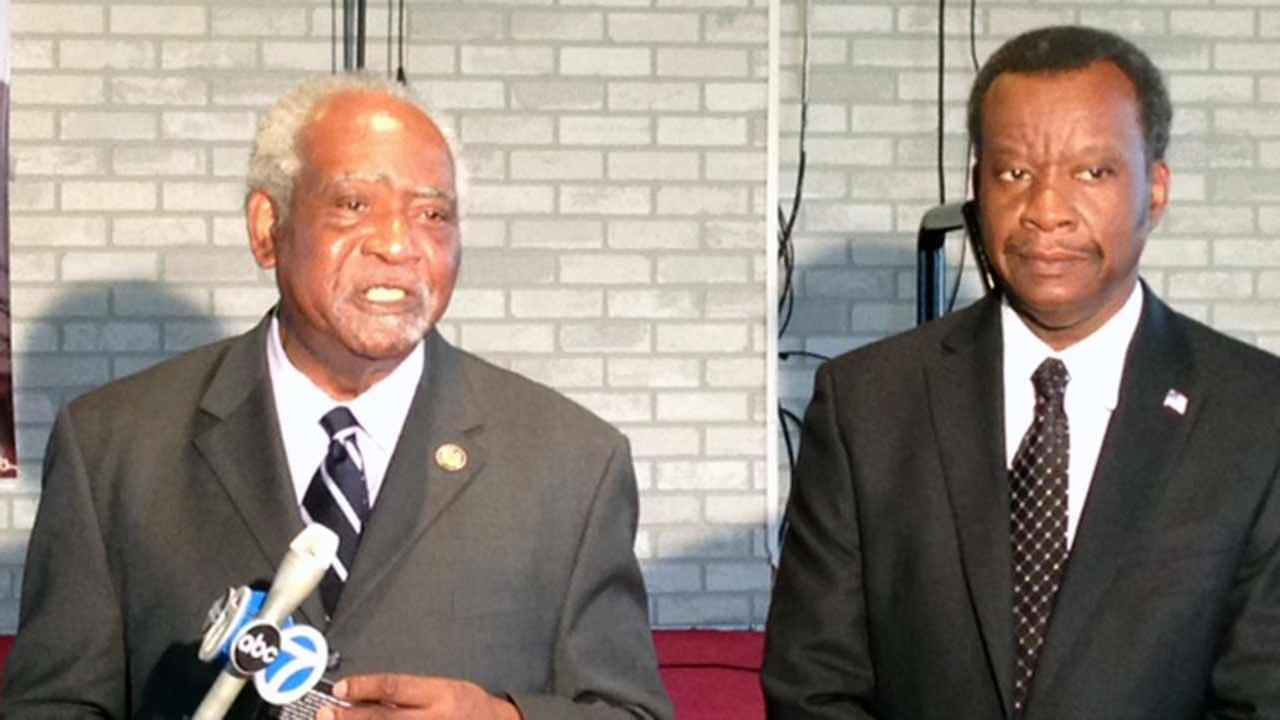 Congressman Danny Davis (left) endorses Willie Wilson for mayor