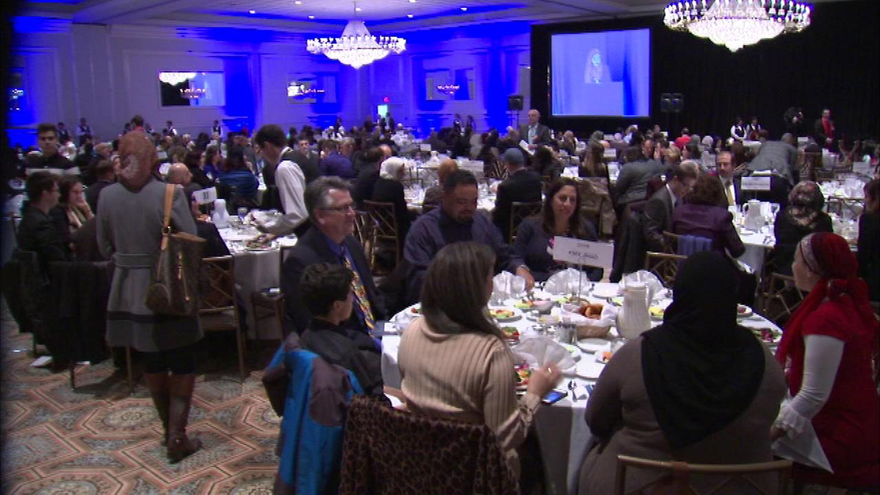 An event billed as the largest for Illinois Muslims took place Saturday night in the western suburbs.