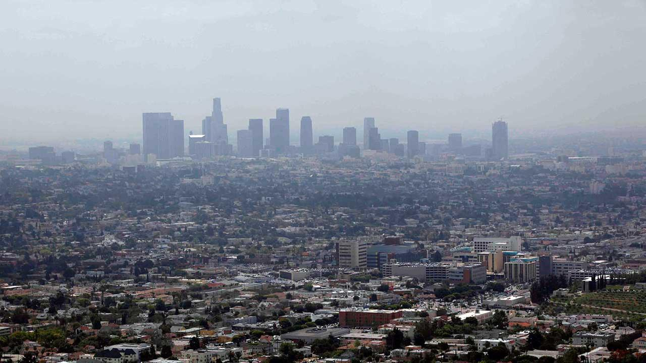 Smog covers downtown Los Angeles, on April 28, 2009.
