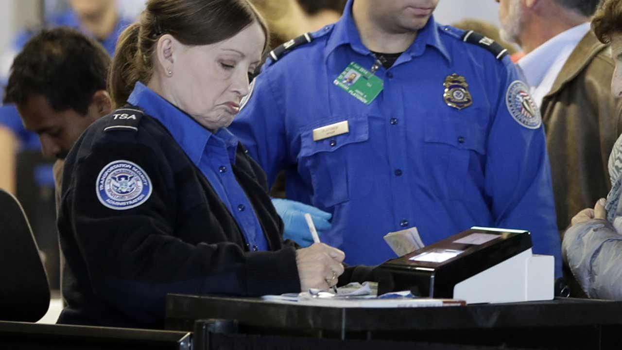 TSA agents at OHare International Airport (FILE)