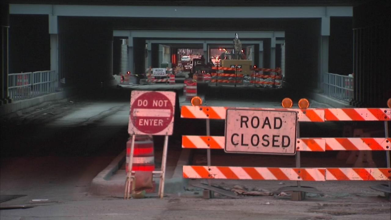 Construction has shut down a stretch of 51st Street, and police say the other lane has been blocked twice by suspects targeting drivers to rob them.