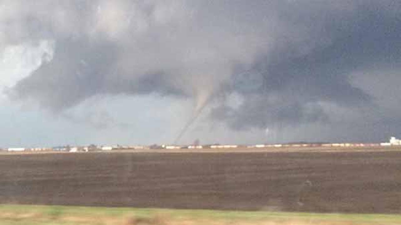 Rochelle, Fairdale IL tornado photos, videos from social media