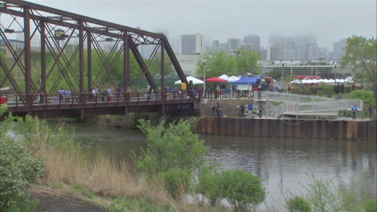 The volunteers who usually make it their mission to keep the citys main water thoroughfare clean celebrated Chicago River Day Saturday.