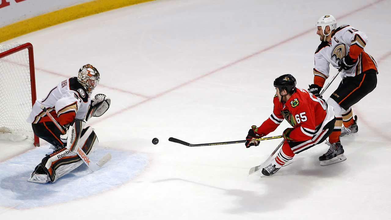 Blackhawks face Ducks in NHL Western Conference finals