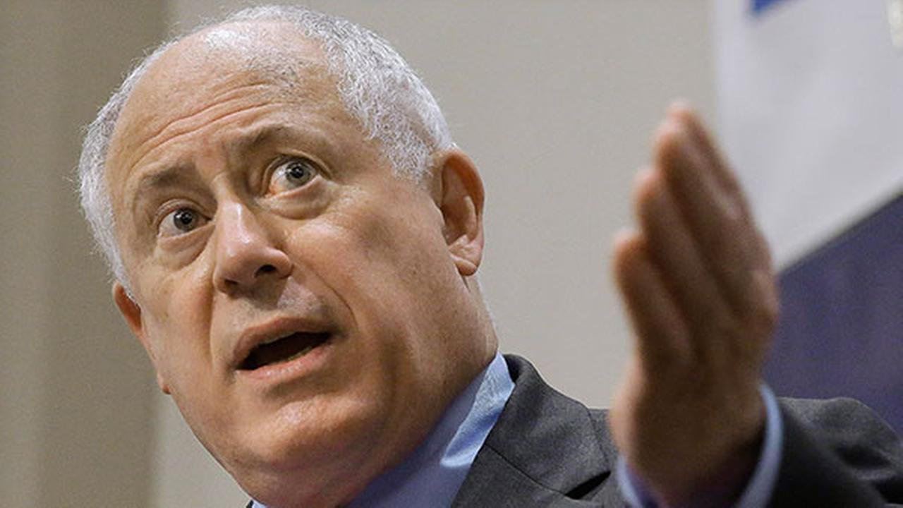 Illinois Gov. Pat Quinn speaks to members of the Illinois Manufacturers Association on May 7, 2014, in Springfield Ill.