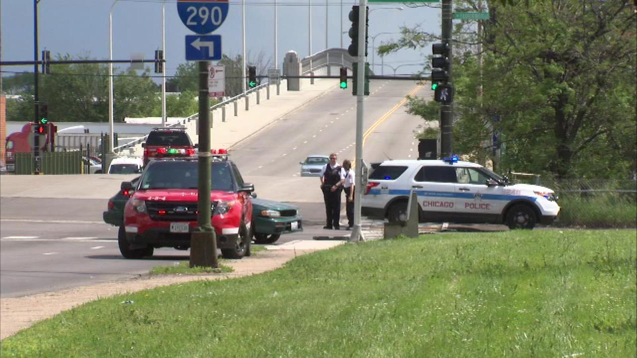 3 Chicago Police Officers Injured In Car Crash