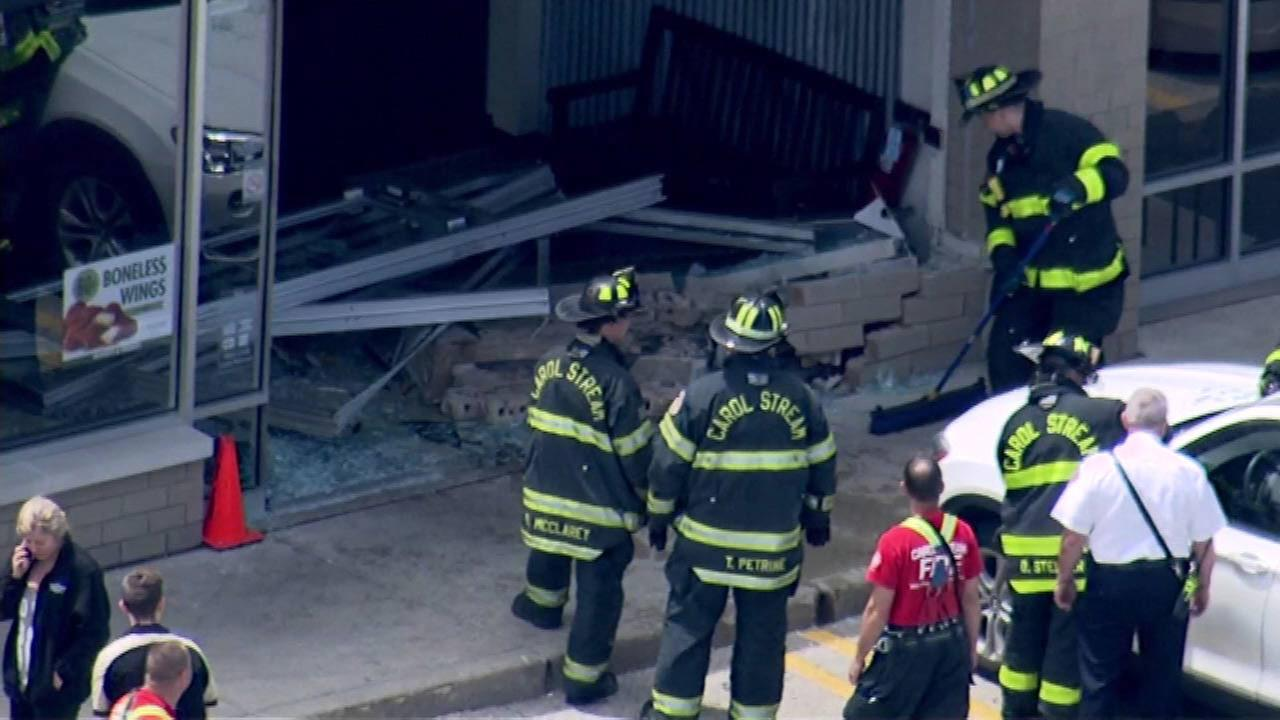 Car crashes into Wingstop in Carol Stream, police say