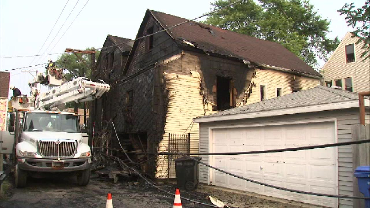Investigators are trying to figure out what sparked this fire in Chicagos Lakeview neighborhood Sunday.