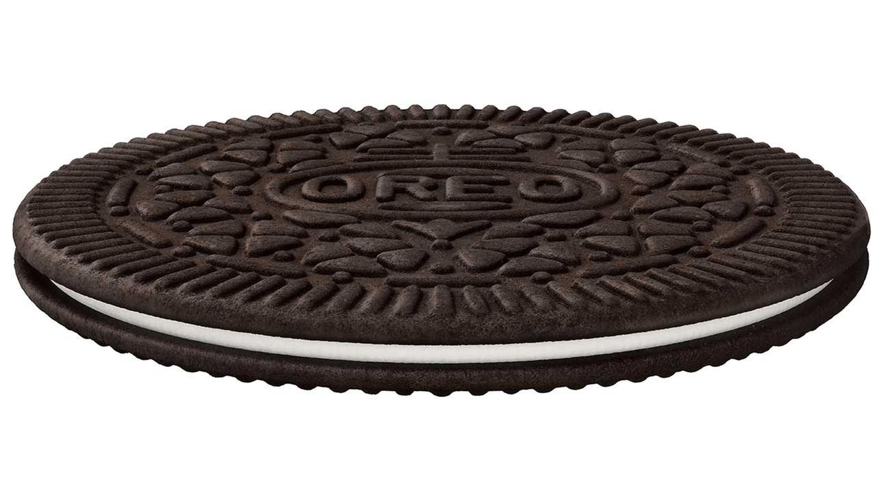 Mondelez International Inc. says it will add Oreo Thins, which have a similar cookie-to-filling ratio as regular Oreo, but theyre slimmer.