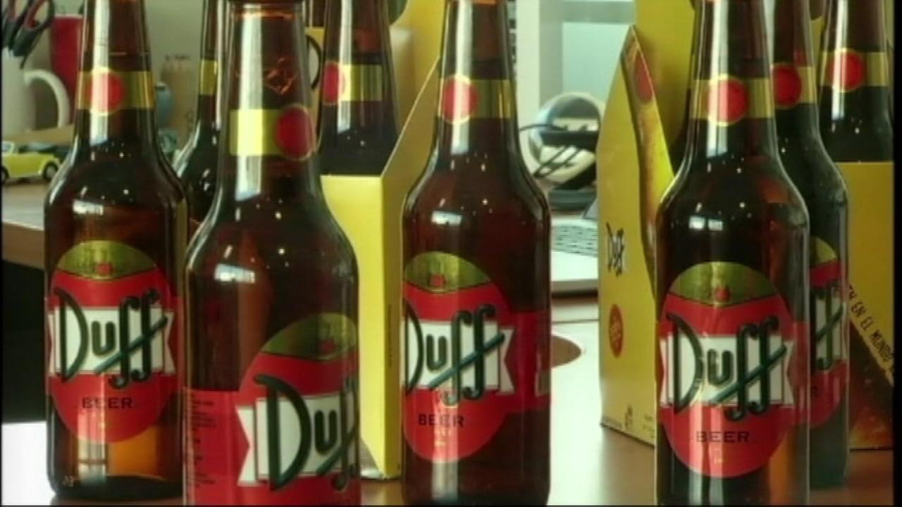 Homer Simpsons favorite beer is now flowing in South America, as Duff is on sale at stores and restaurants in Chile.