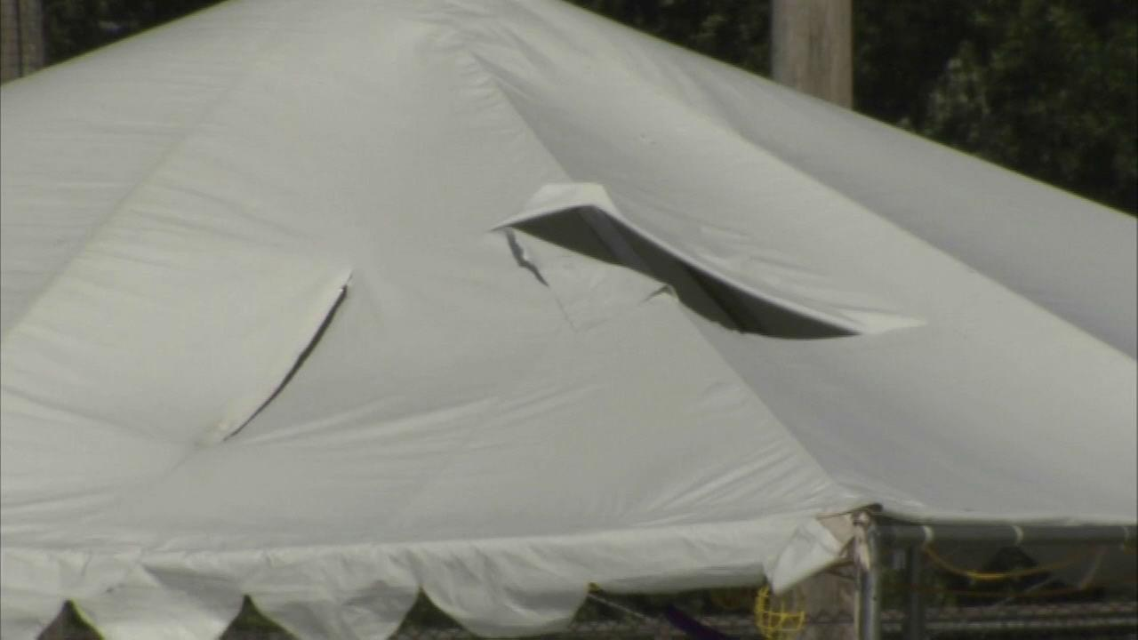 1 dead, several injured in Wood Dale tent collapse