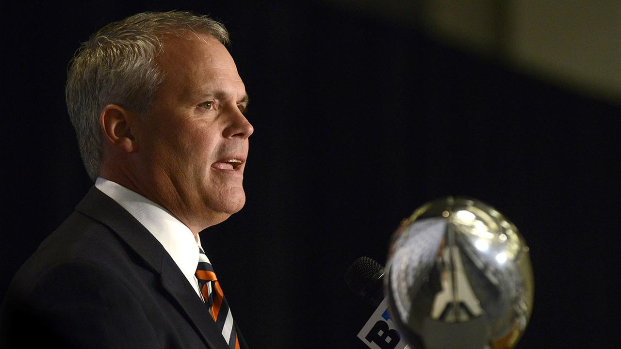 Illinois head coach Tim Beckman speaks to the media during the Big Ten Football Media Day on July 30, 2015 in Chicago.