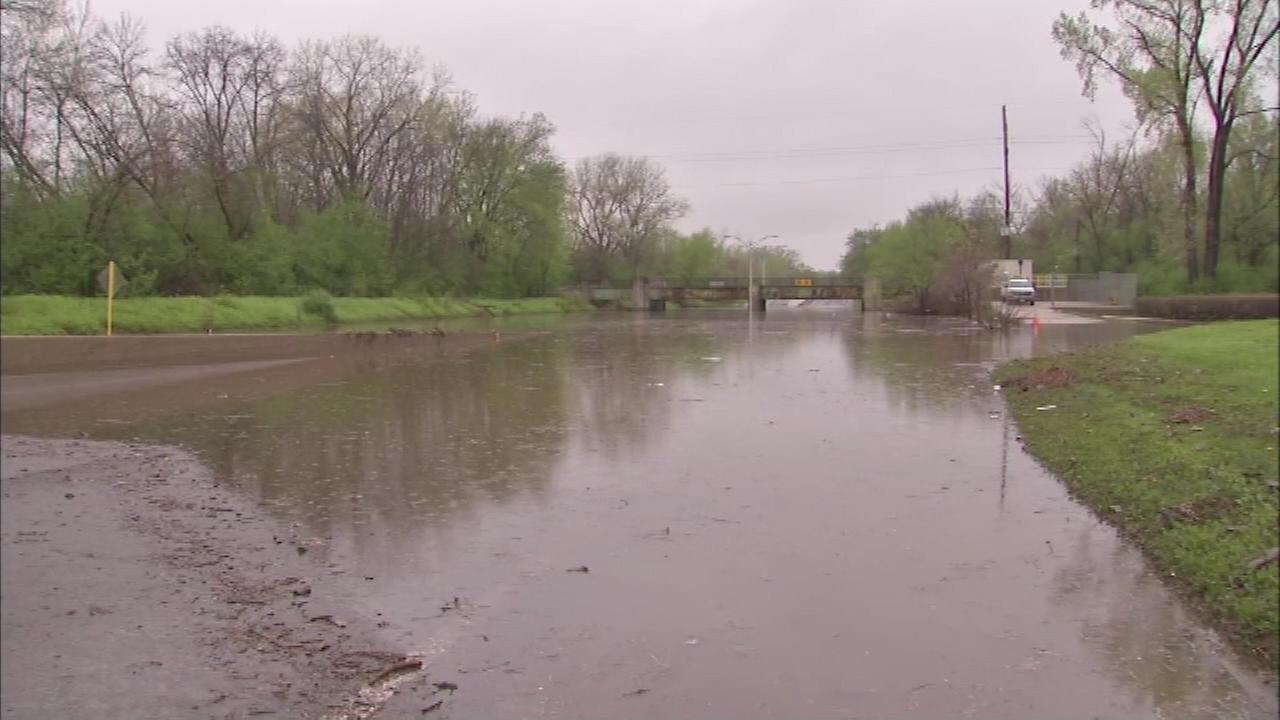 A new levee to prevent floods along the Des Plaines River will help keep some 600 homes dry in suburban Mount Prospect and Prospect Heights.