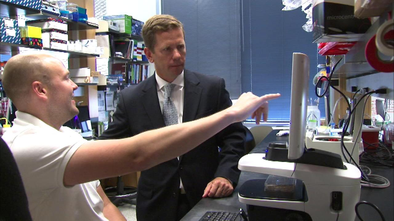 Illinois Congressman Bob Dold toured Lurie Medical Research Center at Northwestern University.