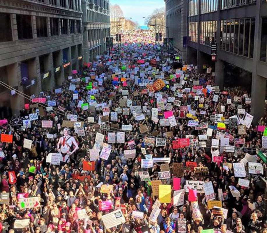 <div class='meta'><div class='origin-logo' data-origin='WLS'></div><span class='caption-text' data-credit='Catherine Turco/Instagram @cnturco'>View from the CTA Brown Line during the Women's March on Chicago on Jan. 21, 2017</span></div>