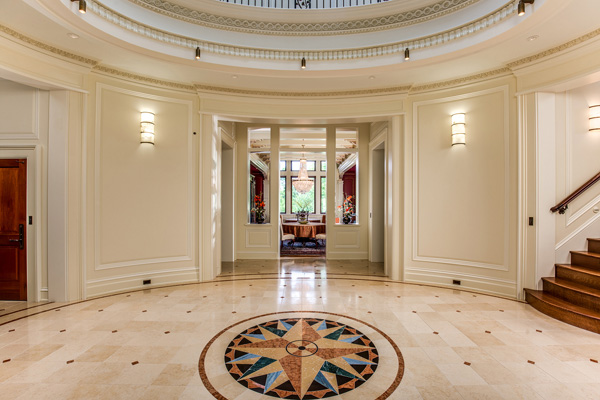 """<div class=""""meta image-caption""""><div class=""""origin-logo origin-image none""""><span>none</span></div><span class=""""caption-text"""">A mansion for sale in Michigan offers an unmatched perspective from its state-of-the-art observatory and rotating telescope. (TopTenRealEstateDeals.com)</span></div>"""