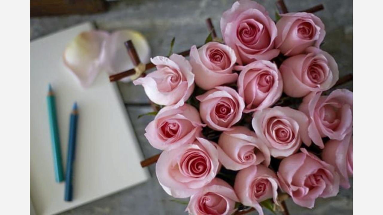 Florist 'Ode à La Rose' debuts in the Near West Side
