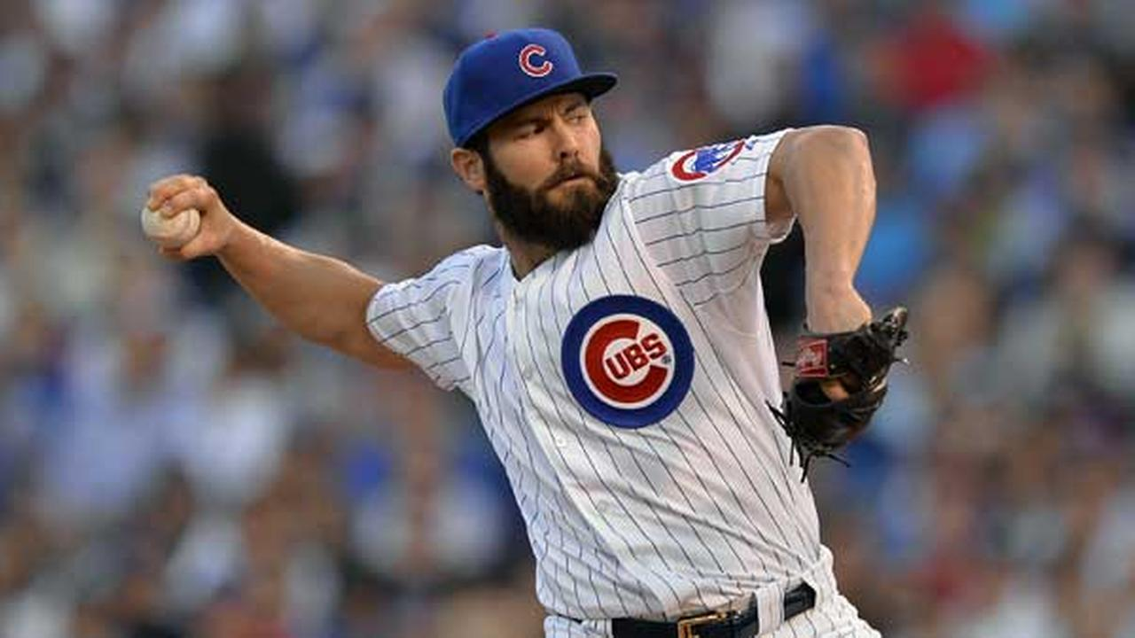 Chicago Cubs starting pitcher Jake Arrieta (49) throws during the first inning of Game 3 in baseballs National League Division Series against the St. Louis Cardinals in Chicago.