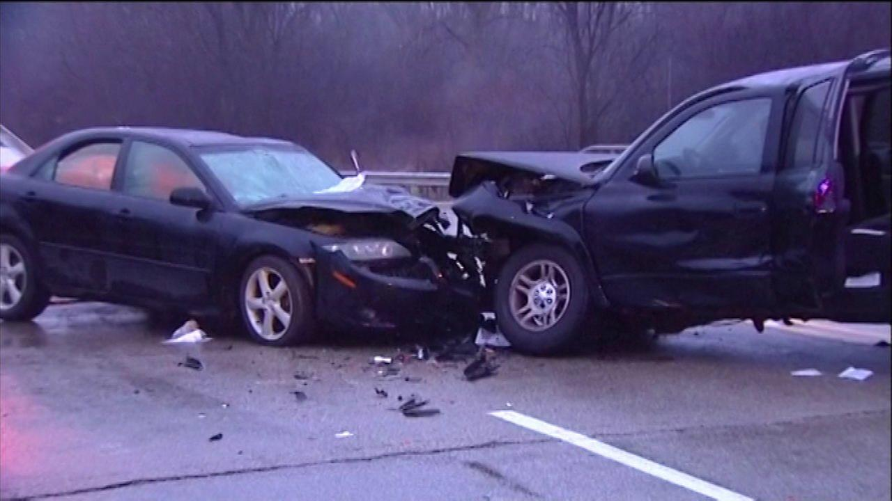 8 injured in Lake Forest head-on crash