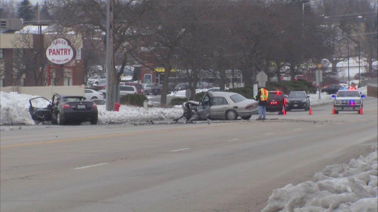 2 killed in head-on vehicle crash in Darien