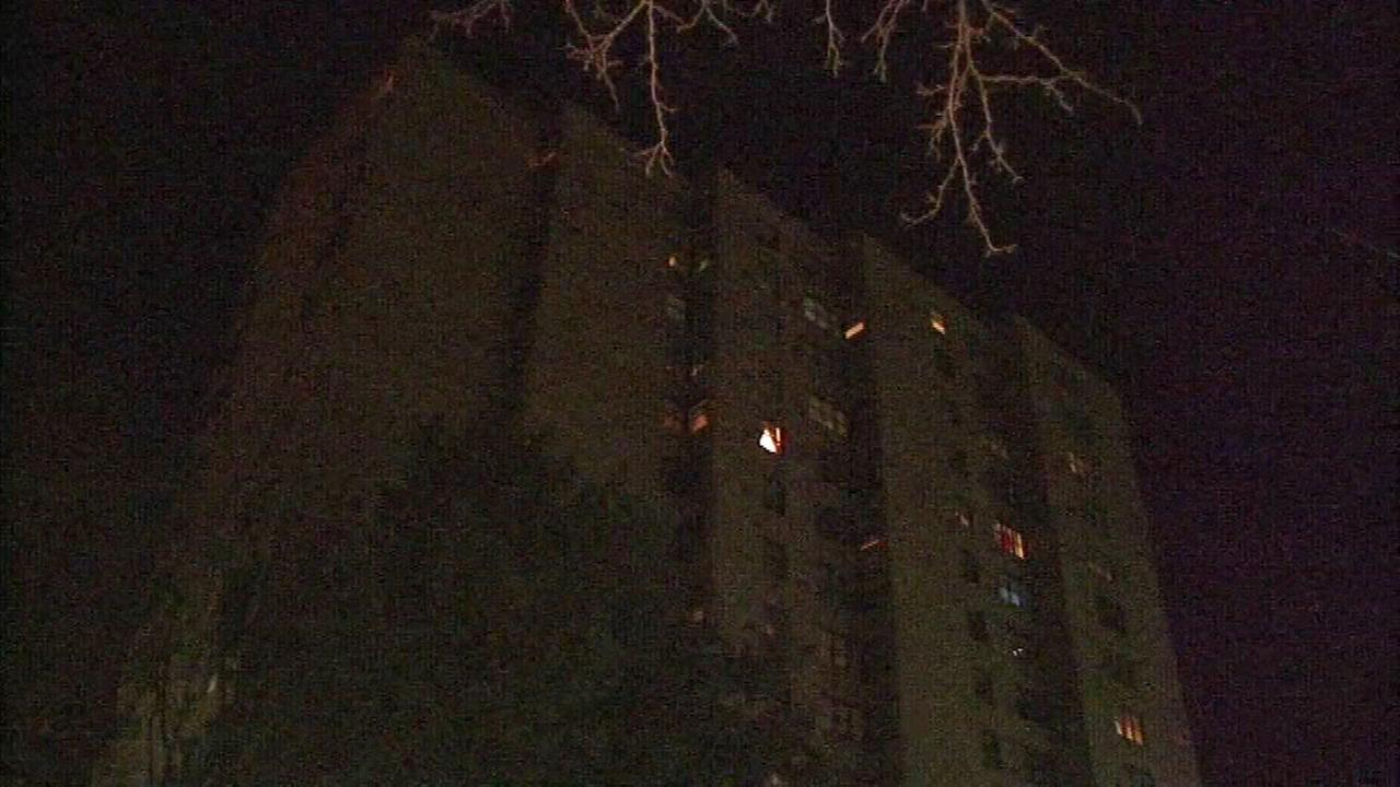 The freezing temperatures are especially tough for residents of a high-rise apartment building in Harvey, who say the heat hasnt worked right since this weekend.