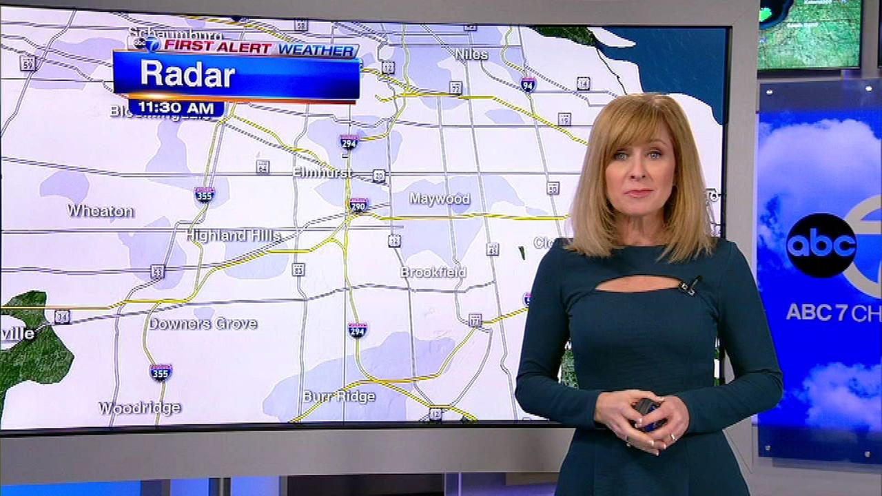 Chicago weather: Light snow reduces visibility in some areas