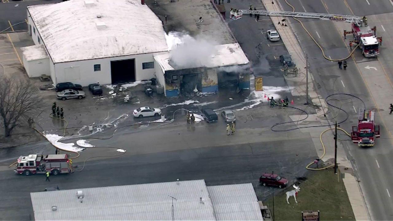 Crews battle fire in Plano strip mall