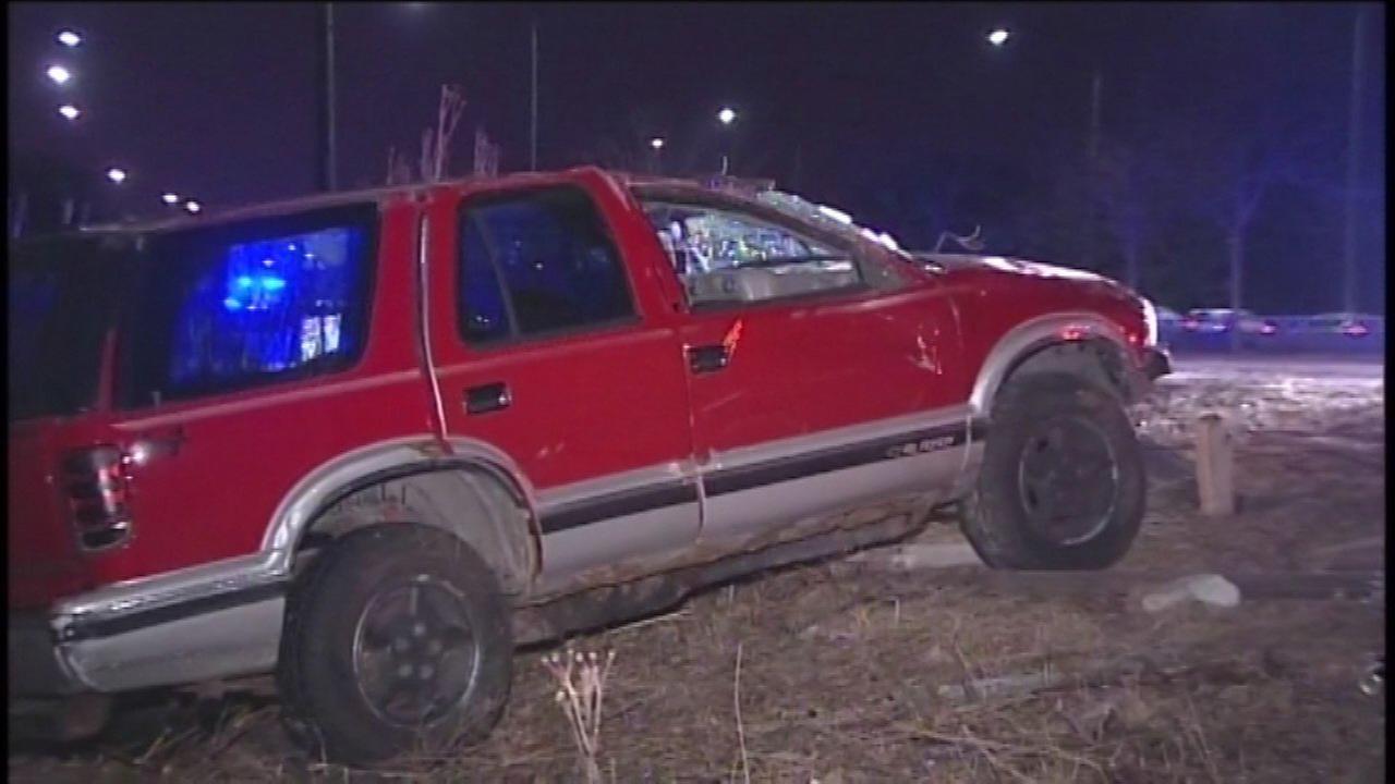 1 seriously injured in Lake Shore Drive crash