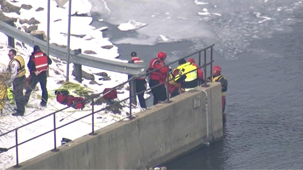 Gunshot victim critical after rescue from Fox River in South Elgin, officials say