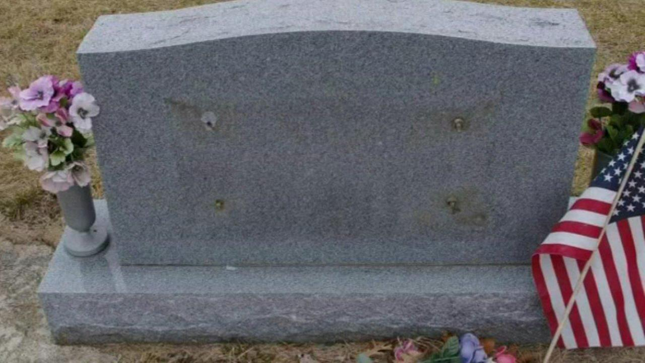 Series of headstone plaque thefts reported in northwest Indiana town
