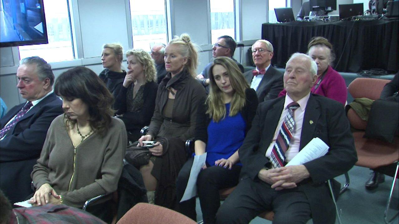 Gov. Bruce Rauners office organized a viewing at the Thompson Center.