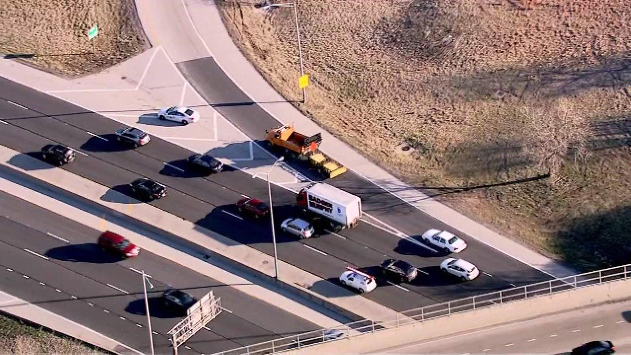 ISP investigate possible shooting on ramp from NB Edens to Touhy