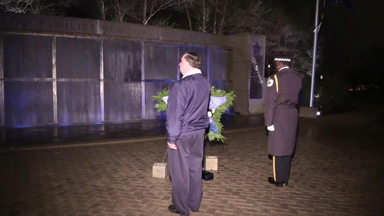 Chicago police honor guard stands watch over fallen officers