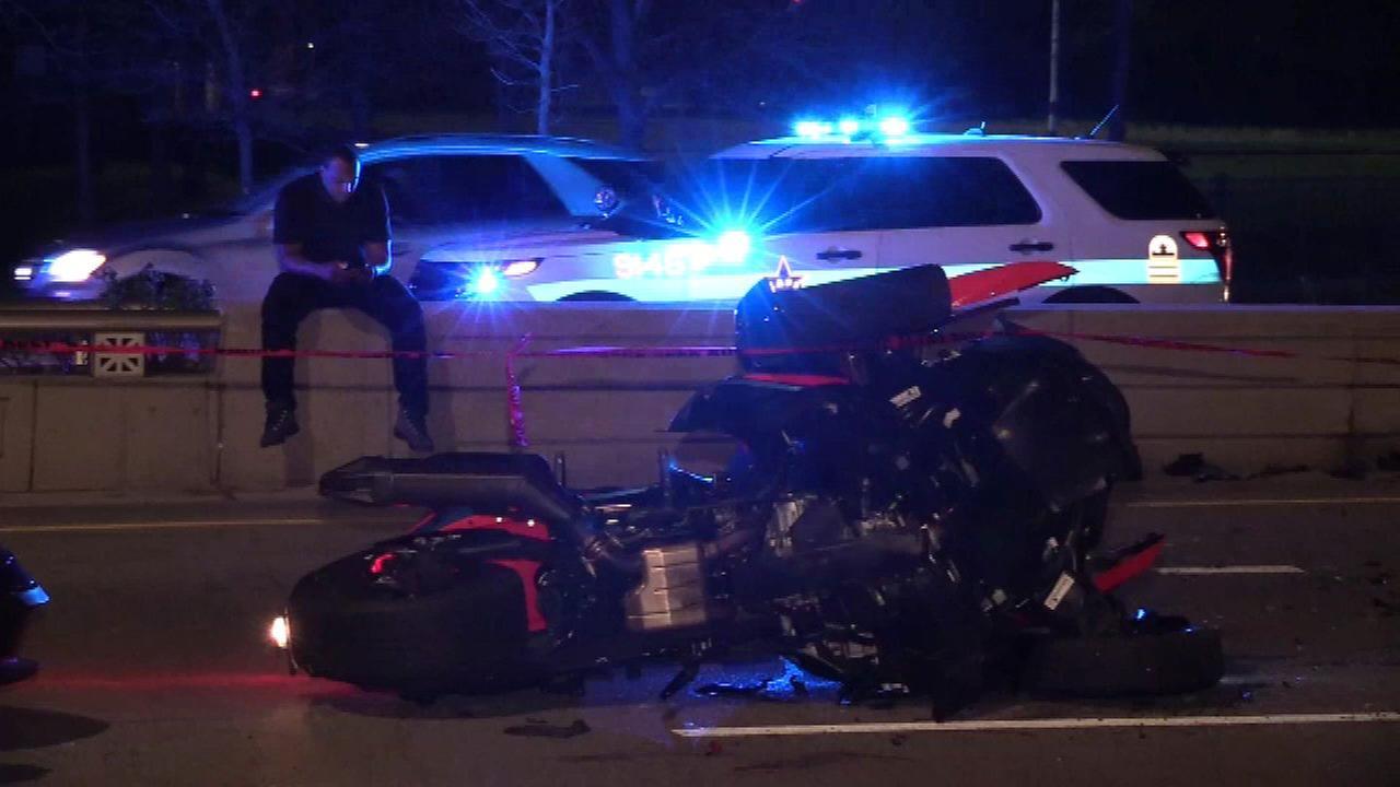 Man, 35, killed in motorcycle crash on Lake Shore Drive