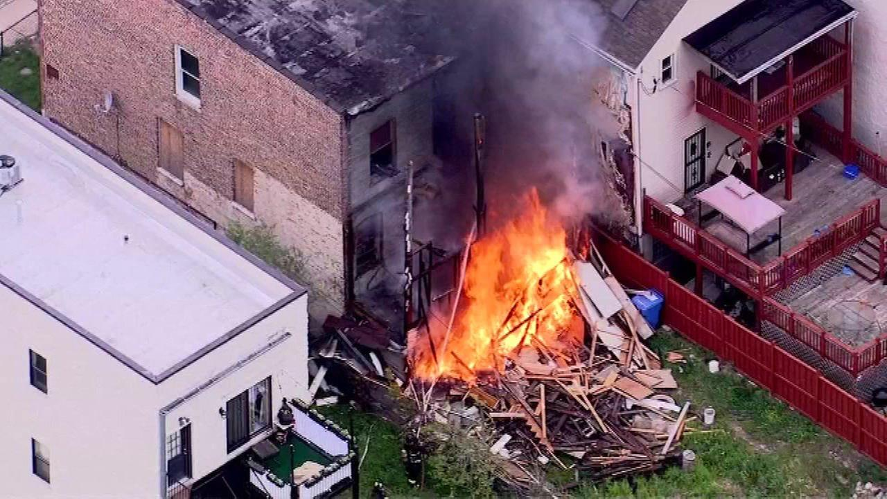 South Side apartment building catches fire