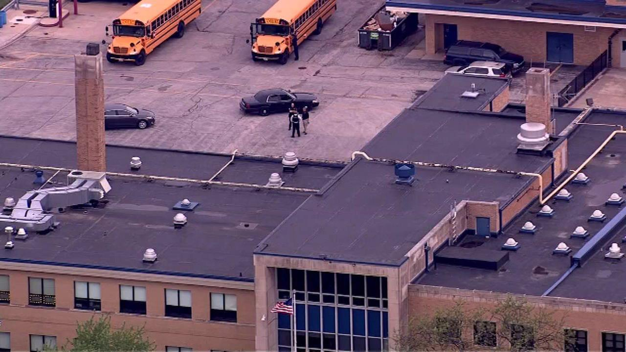 Reavis HS placed on lockdown after email threat