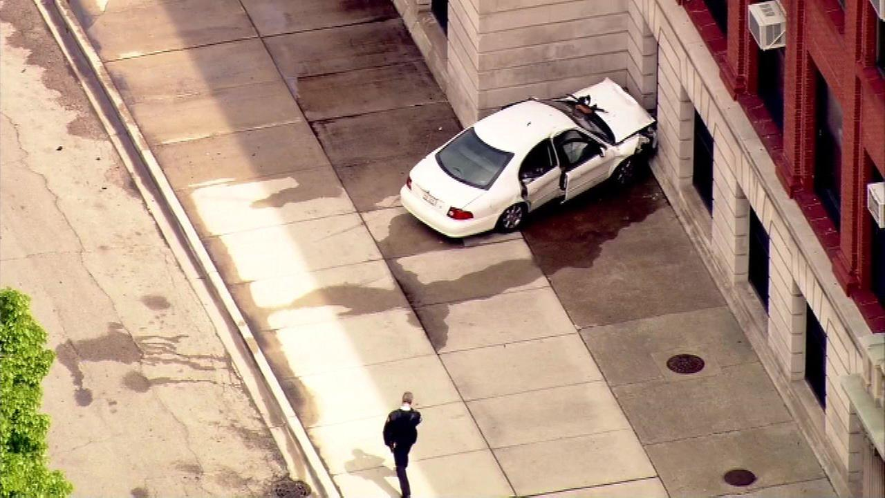 Car crashes into school building in Back of the Yards