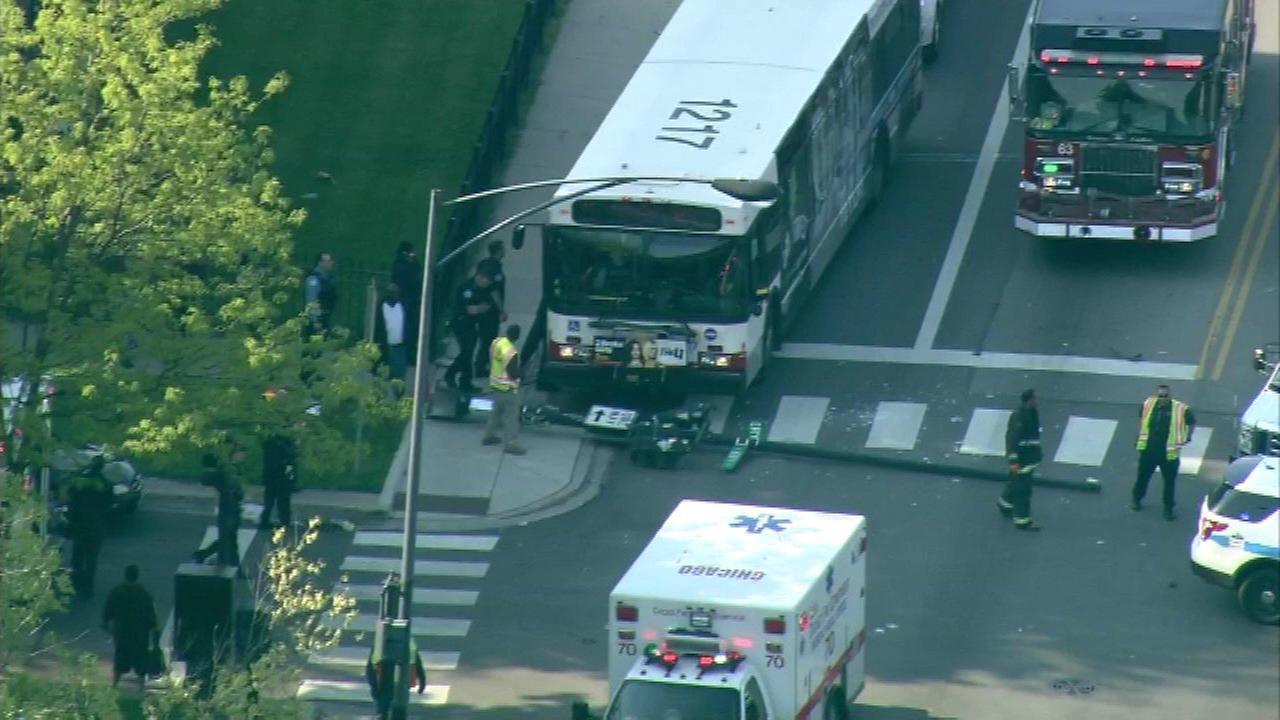 10 injured in CTA bus hit-and-run crash, police say
