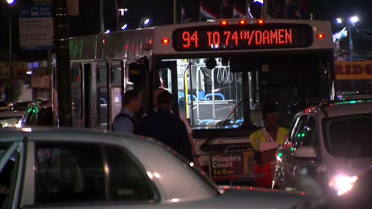 Man, 29, stabbed on CTA bus