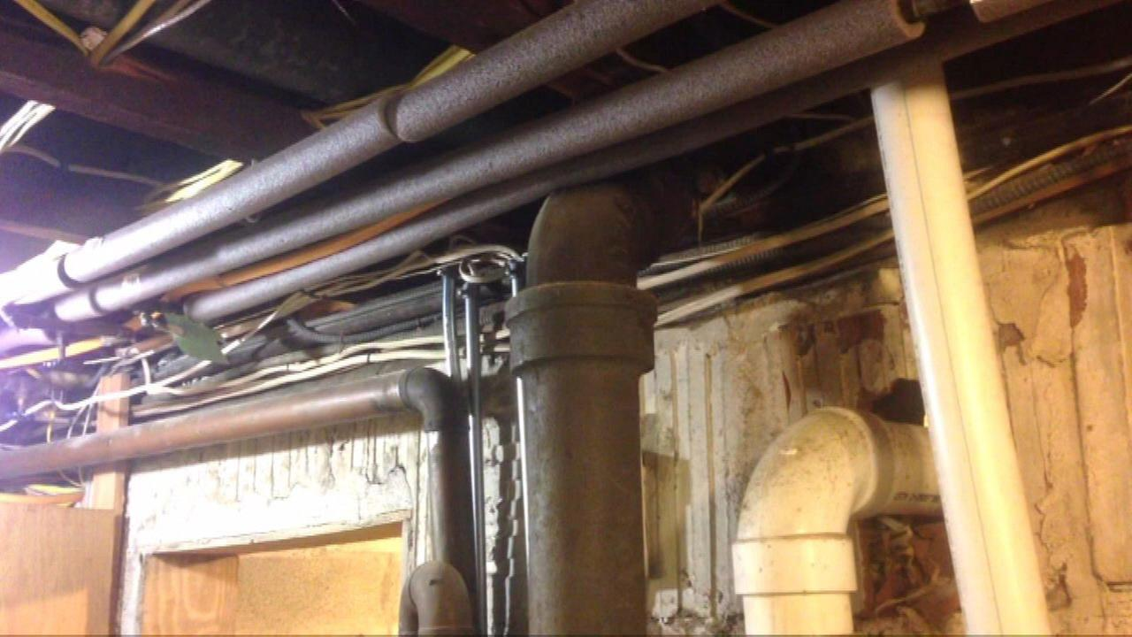 Testing finds lead in water at two Chicago homes