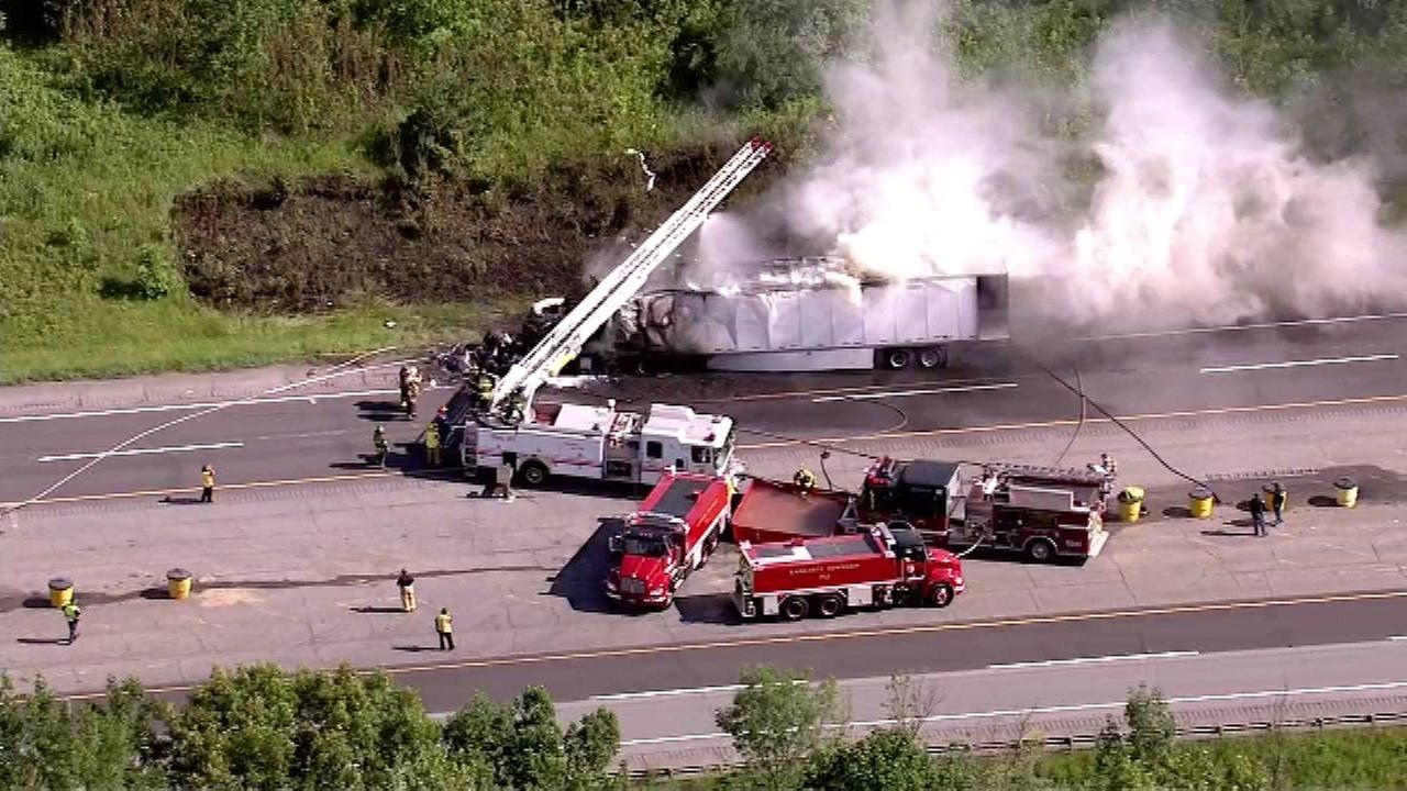 Semi truck crash closes lanes on Indiana Tollway near Michigan City