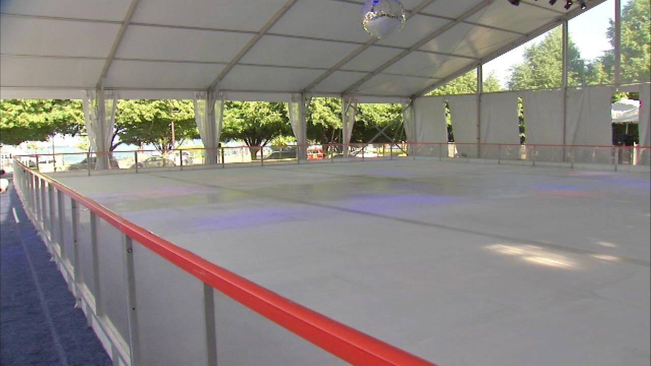 outdoor ice rink set to open at navy pier abc7chicago com
