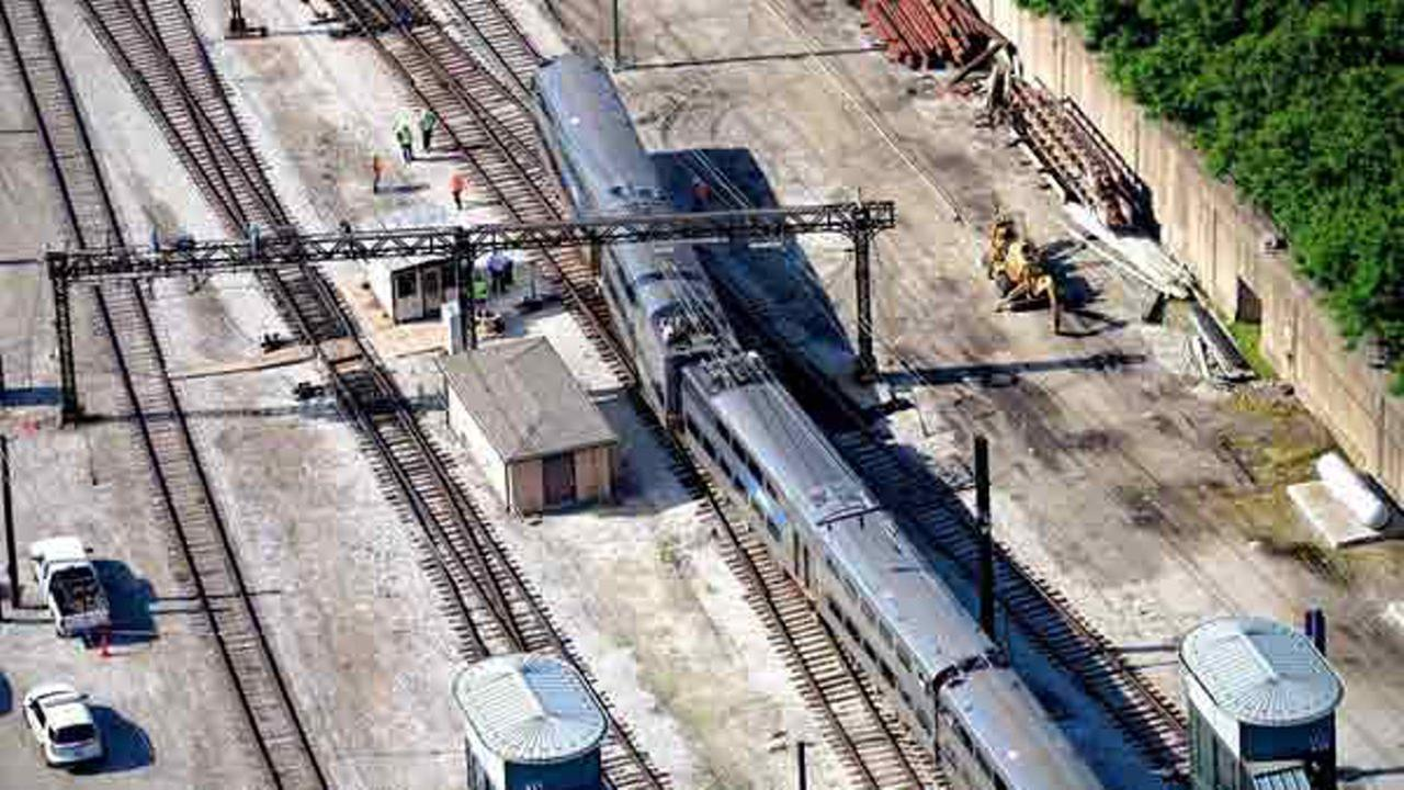 A Metra Electric train derailed near 11th Street in Chicagos South Loop neighborhood on June 10, 2016. Colin Hinkle
