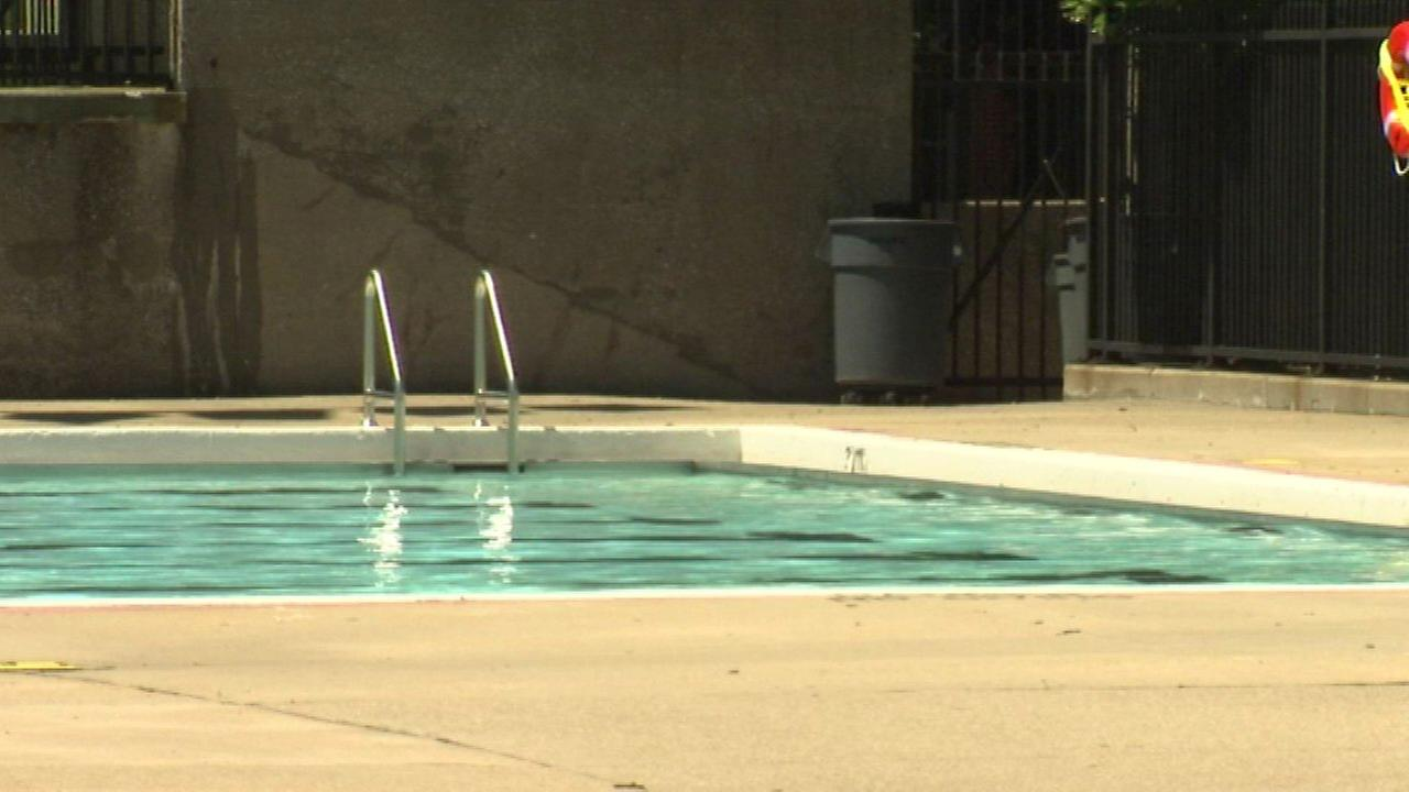 Chicago Park District Pools Open For Summer